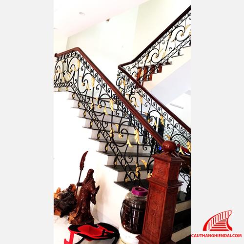 cầu thang sắt nghệ thuật 44