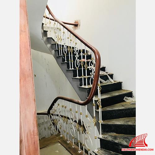 cầu thang sắt nghệ thuật 45