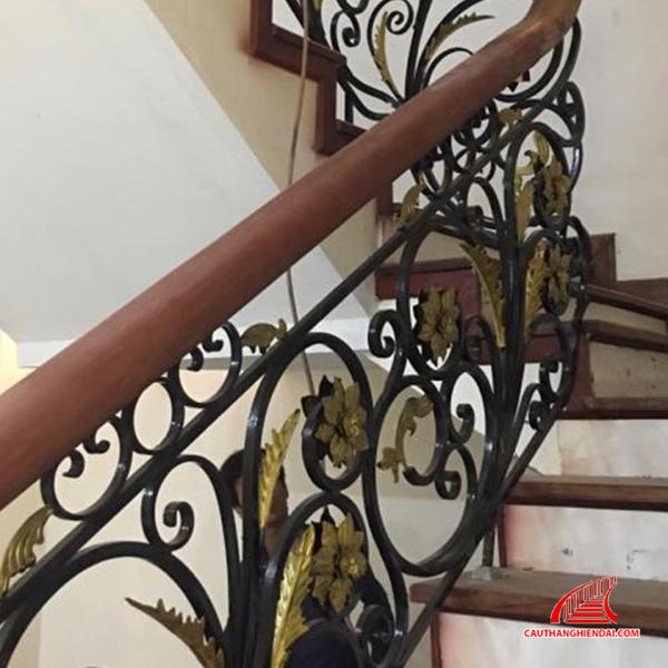 Cầu thang sắt nghệ thuật 48
