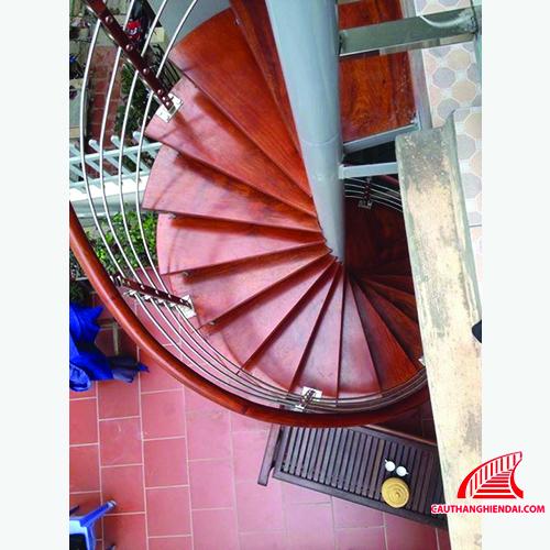 Cầu thang xương cá 07