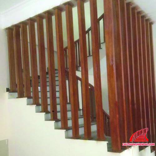 Cột gỗ trang trí 01