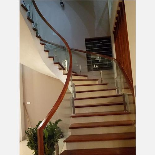 Cầu thang kính 06