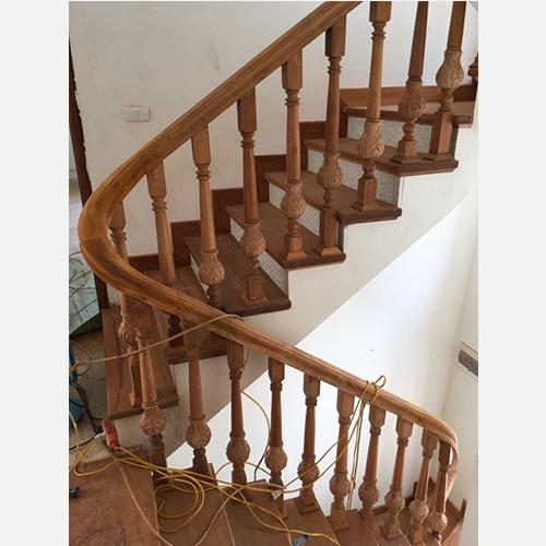 Cầu thang gỗ 11 class=