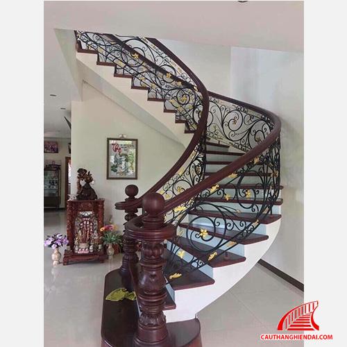 Cầu thang sắt nghệ thuật 16