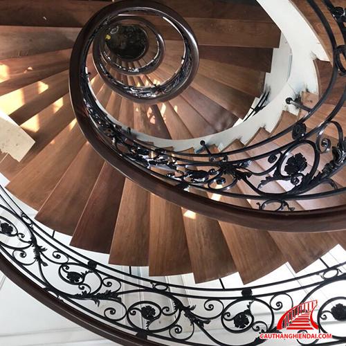 Cầu thang sắt nghệ thuật 17