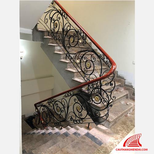 Cầu thang sắt nghệ thuật 36