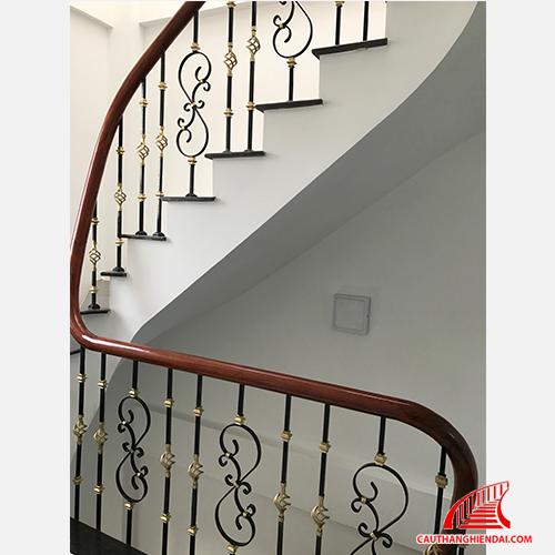 Cầu thang sắt nghệ thuật 41